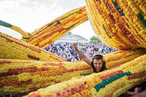 van-gogh-flower-parade-floats-corso-zundert-netherlands-4