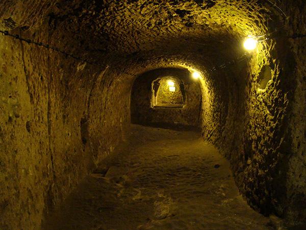Bild1-Derinkuyu-Underground-City