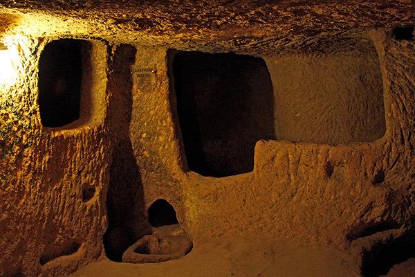 Bild4-Derinkuyu-Underground-City2