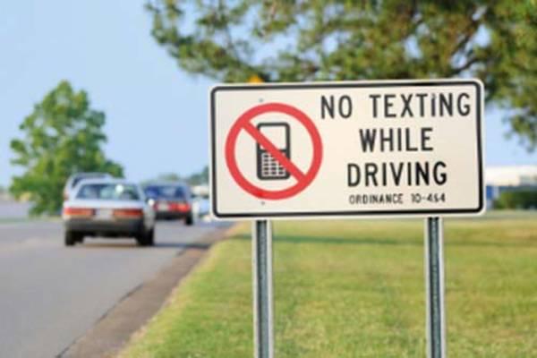 no_texting_sign
