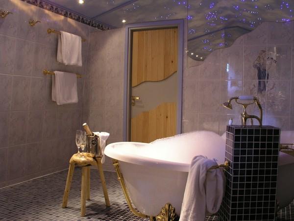 1300_wzedding_turf_chamber_bathroom_1-1024x768