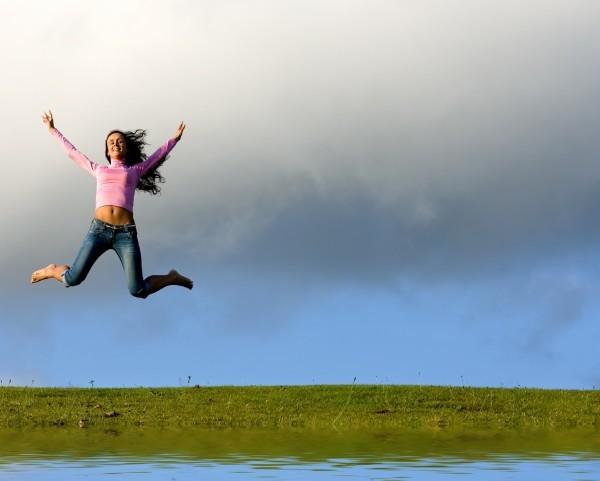 26277-girl-jumping-600x481