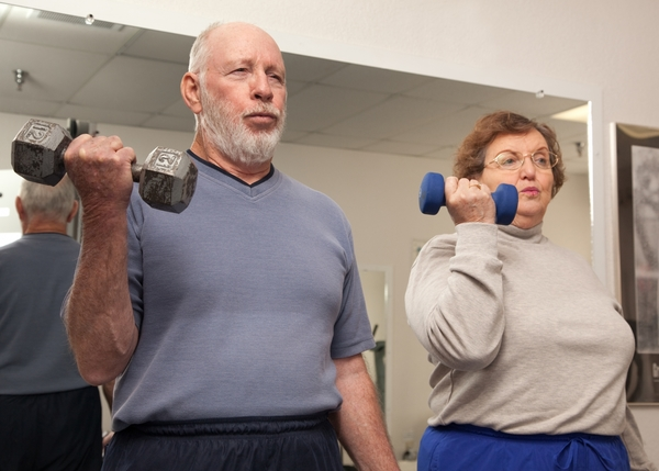 529934-senior-adult-couple-working-out