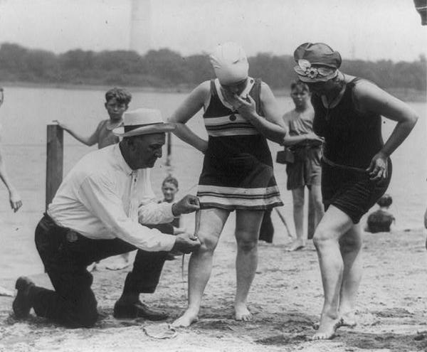 Col._Sherrell,_Washington_bathing_beach