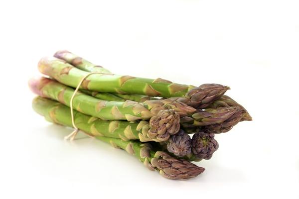 1765051-green-asparagus