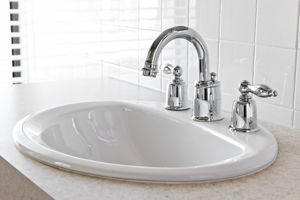 2075285-bathroom-sink
