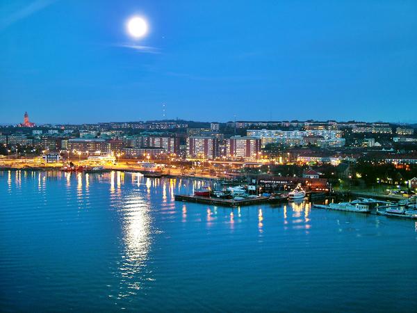 Goteborg_in_moon_light