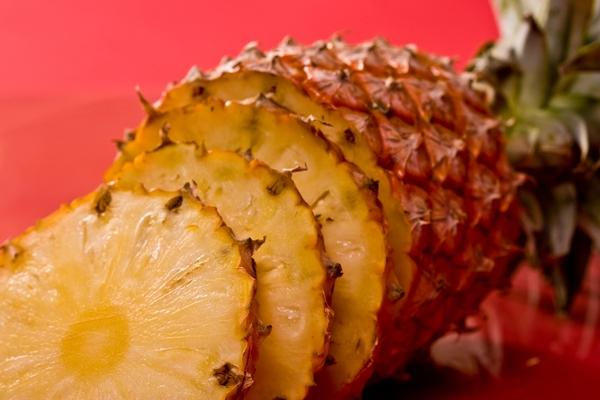 741910-pineapple