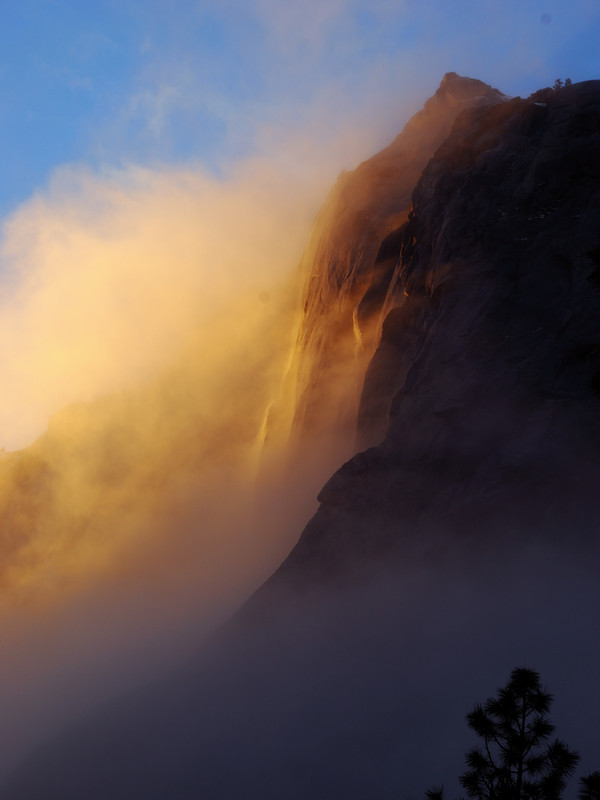 Horsetail_fall,_Yosemite