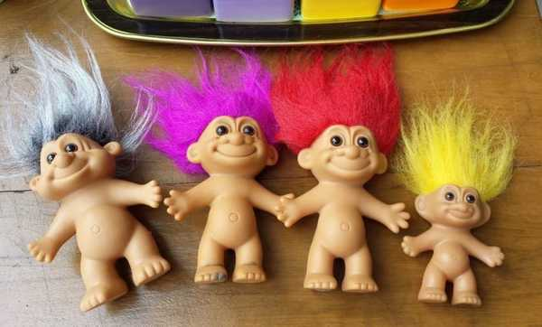 nostalgic-troll-succulent-planters-container-gardening-repurposing-upcycling-succulents-4-850x513