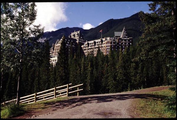 Banff_Springs_Hotel