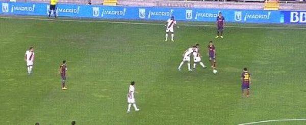Messi pass Neymar