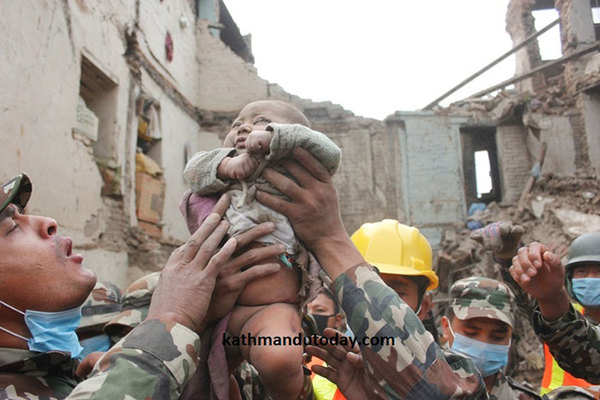 four-month-baby-rescued-earthquake-kathmandu-nepal-10