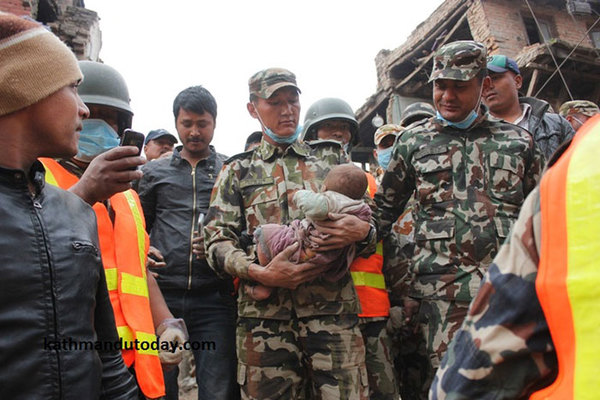 four-month-baby-rescued-earthquake-kathmandu-nepal-12