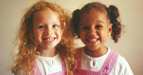 Tvillingar Med Olika Pappor