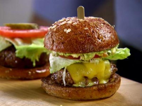 BX0507H_lt-guacamole-burger_s4x3.jpg.rend.sni12col.landscape
