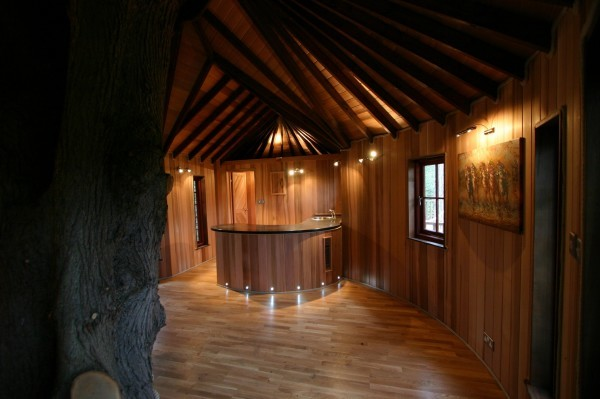 Living-the-Highlife-Adults-Tree-House-4-600x399