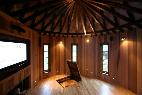 Living-The-Highlife-Childrens-Tree-House-1-600x399
