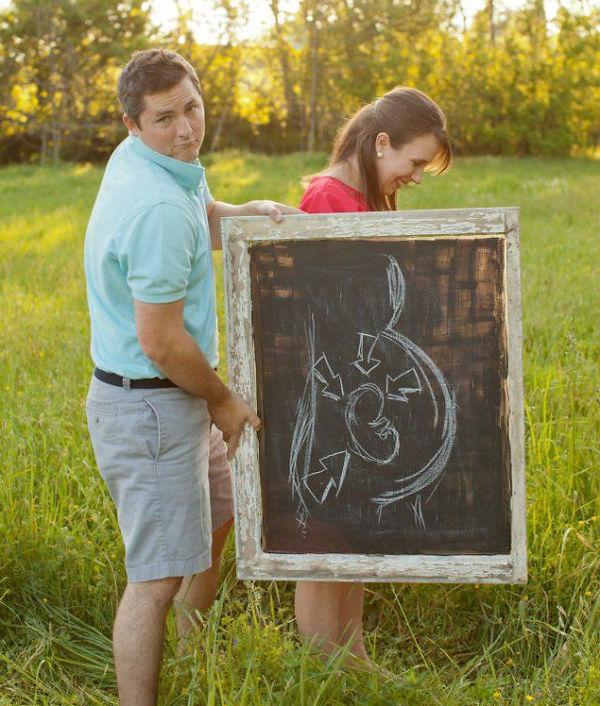 creative-pregnancy-announcement-card-49__605