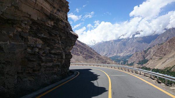 Karakoram_Highway_Near_Attaabad_Lake_Hunza_Gilgit_Baltistan