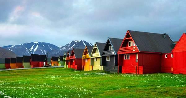 48.Longyearbyen