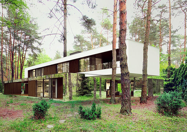 reform-architekt-marcin-tomaszewski-refelctive-mirror-izabelin-house-2-designboom-03