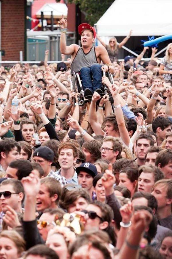 crowdsurfa 16