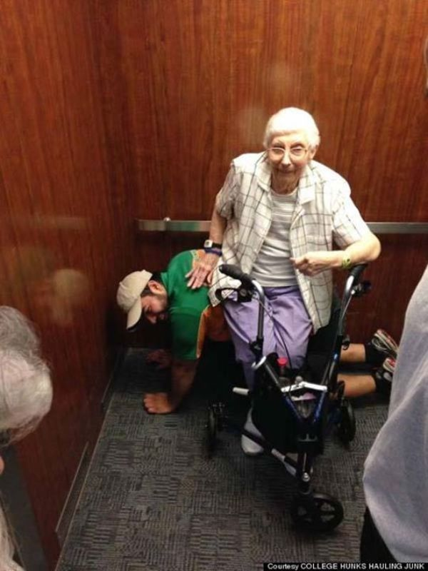 gammal kvinna hiss 8