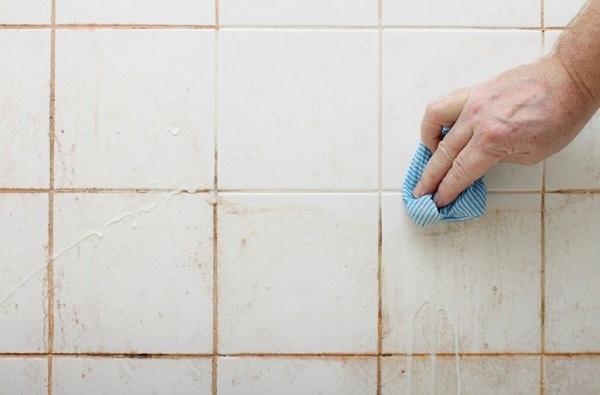 rengøring brusekabine Smart trick til at rengøre dit brusebad – 2 ingredienser er alt du  rengøring brusekabine
