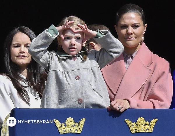 """67861de423e7 Kronprinsessan Victoria om hur Estelle är som person: """"Tror hon fått ..."""